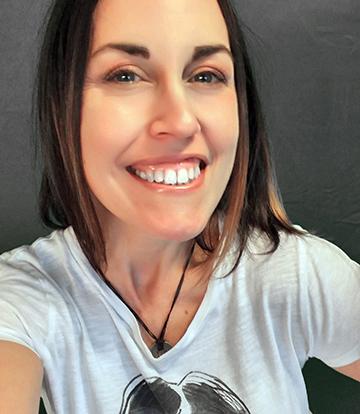 Victoria Van Tiem Author Photo 2