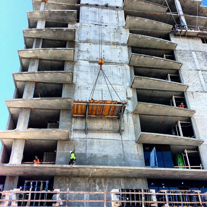 thumbnail_condo-construction-in-sarasota