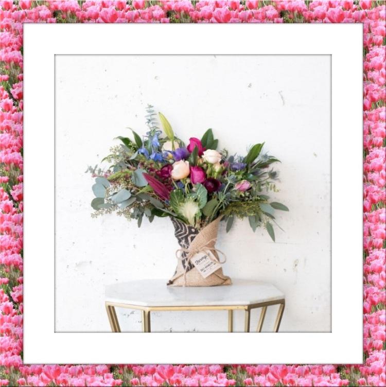 Flower Picture Frame: https://www.tuxpi.com/photo-effects/flower-frame