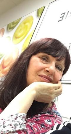 Confetti - Rosie Green Author Pic